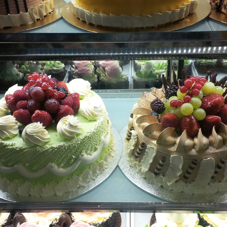 Cakes in China Town